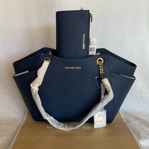 NWT SET Michael Kors Navy Shoulder Tote & Wristlet